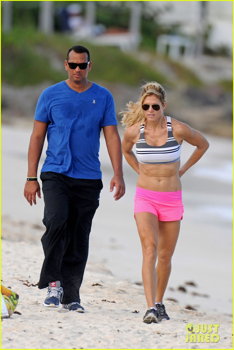 alex roriguez beach stroll with ab boasting torrie wilson 013021023