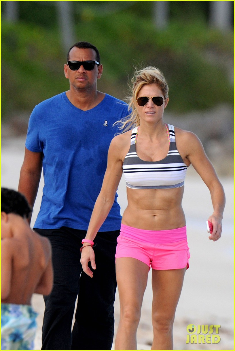 alex roriguez beach stroll with ab boasting torrie wilson 08