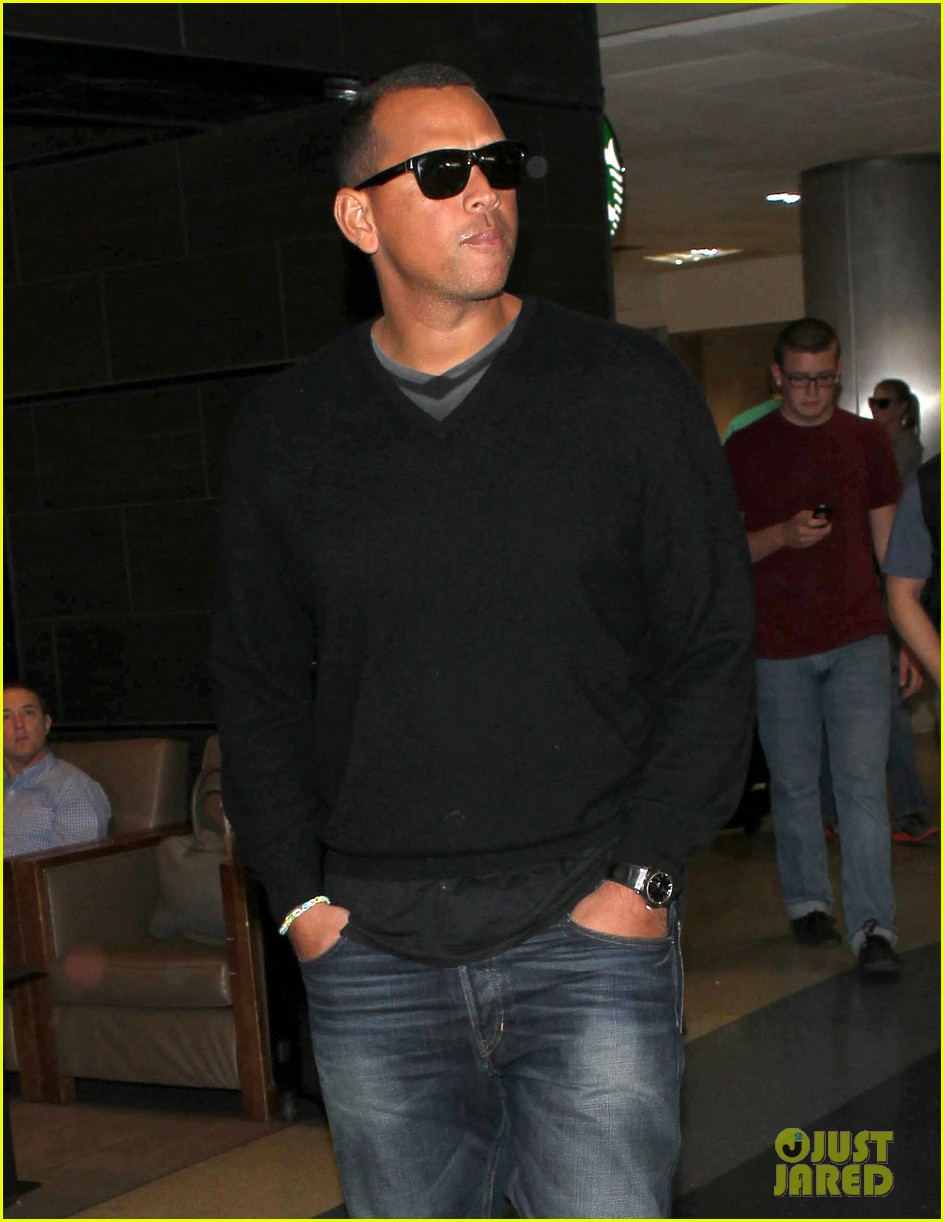 alex rodriguez back in la after attending jay z concert 013023114