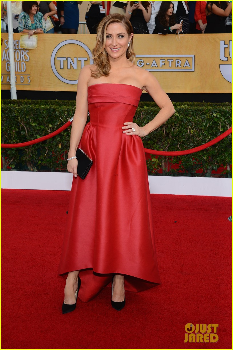 sasha alexander holly hunter sag awards 2014 red carpet 01