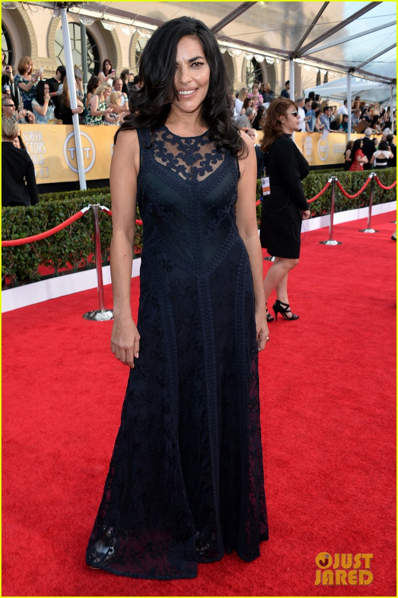 sasha alexander holly hunter sag awards 2014 red carpet 023035019