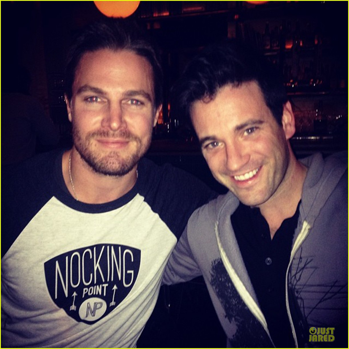 stephen amell arrow promo at siriusxm studios 05