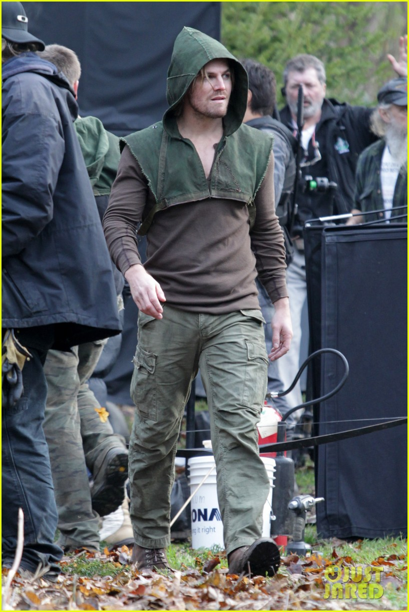 stephen amell long haired wig for arrow scenes 17