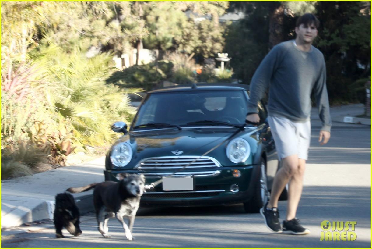 ashton kutcher sunday morning dog duty 04