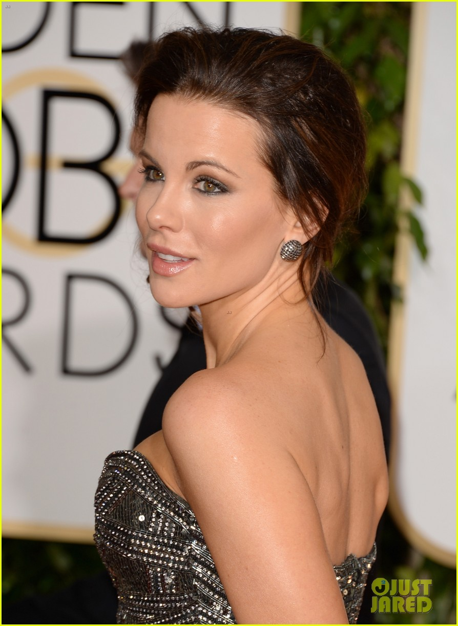 kate beckinsale golden globes 2014 red carpet 023029347