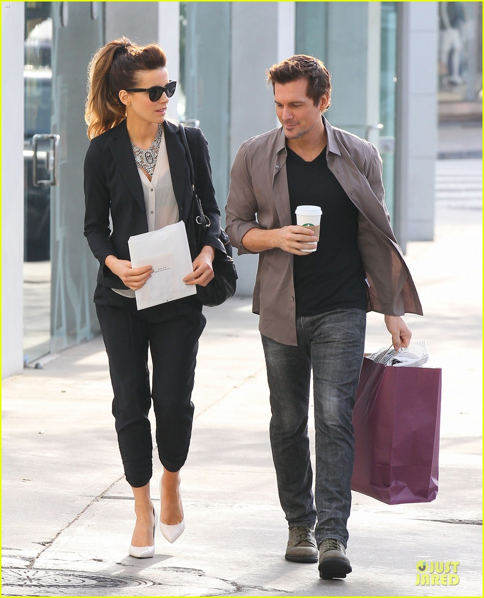 kate beckinsale len wiseman hook arms at fred segal 073043057