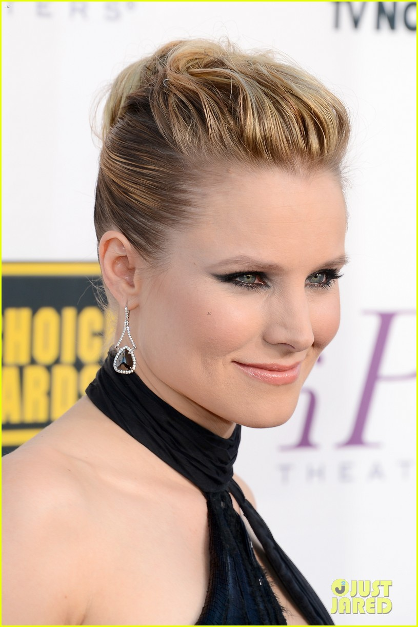 kristen bell critics choice movie awards 2014 red carpet 04