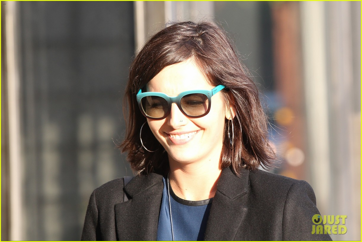 camilla belle alfred cafe lunch outing 10