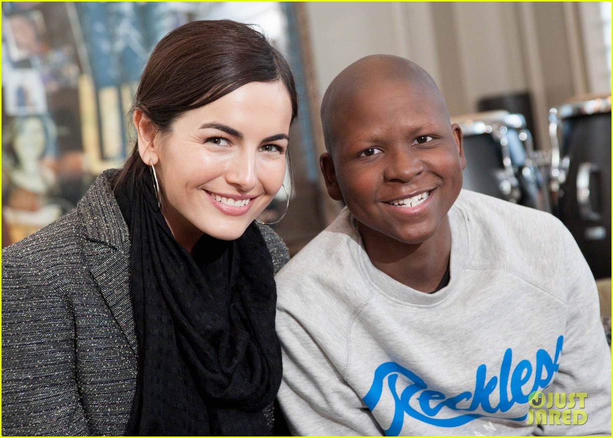 camilla belle visits children at st judes childrens research hospital 043025240