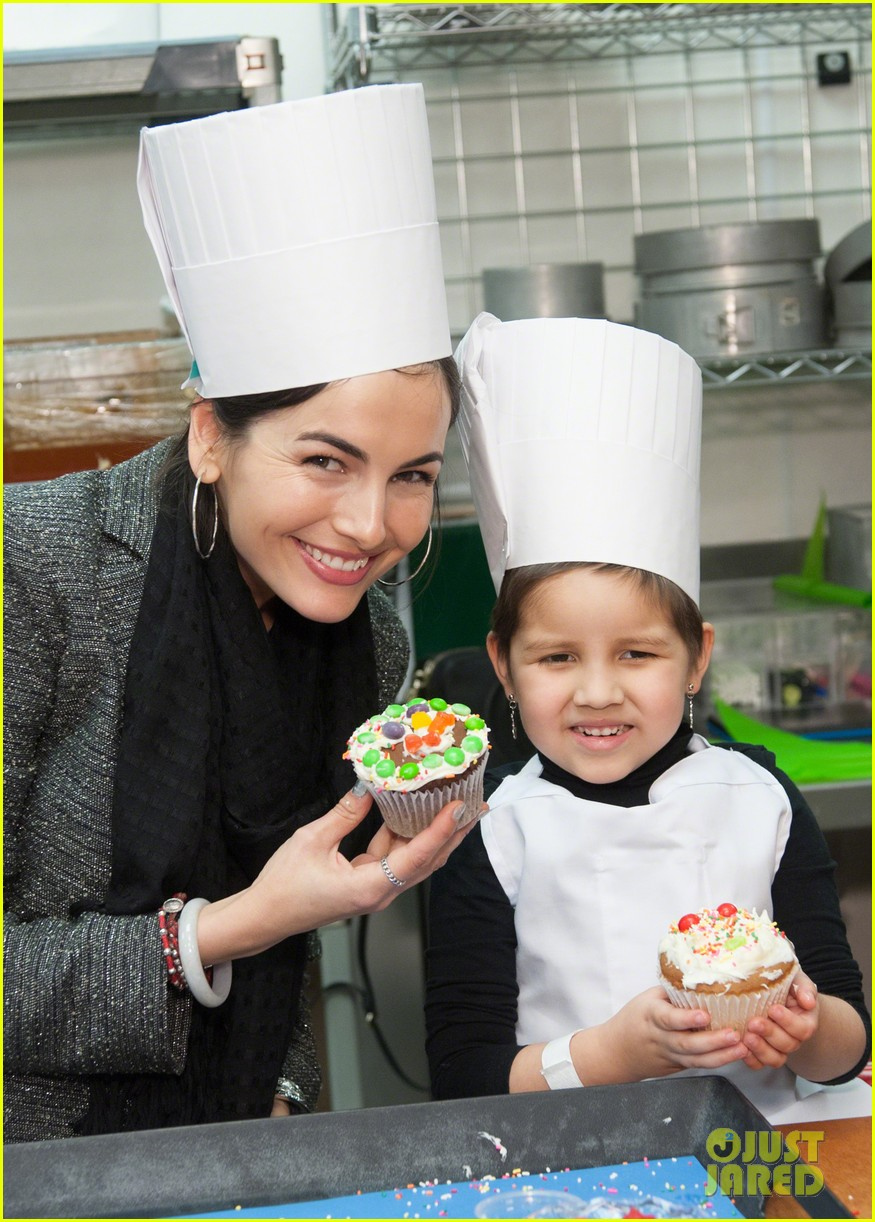 camilla belle visits children at st judes childrens research hospital 053025241