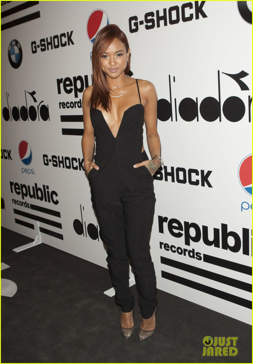 ashley benson paris hilton republic records grammys party 03