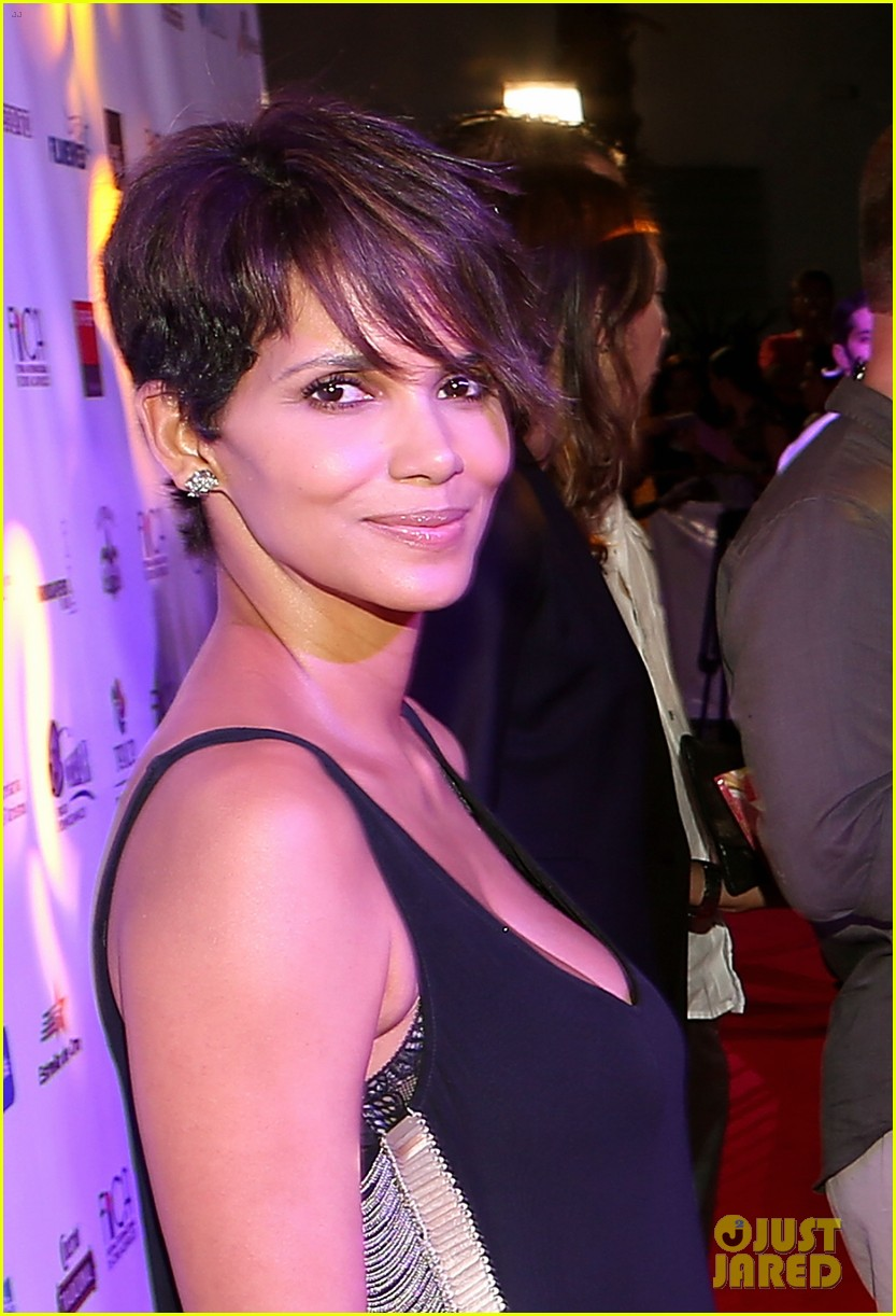 halle berry finds a new husband for her tv show extant 10