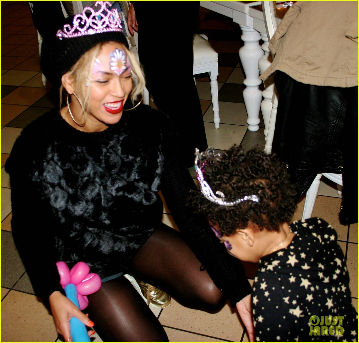 beyonce shares pictures from blue ivy carters birthday party 06