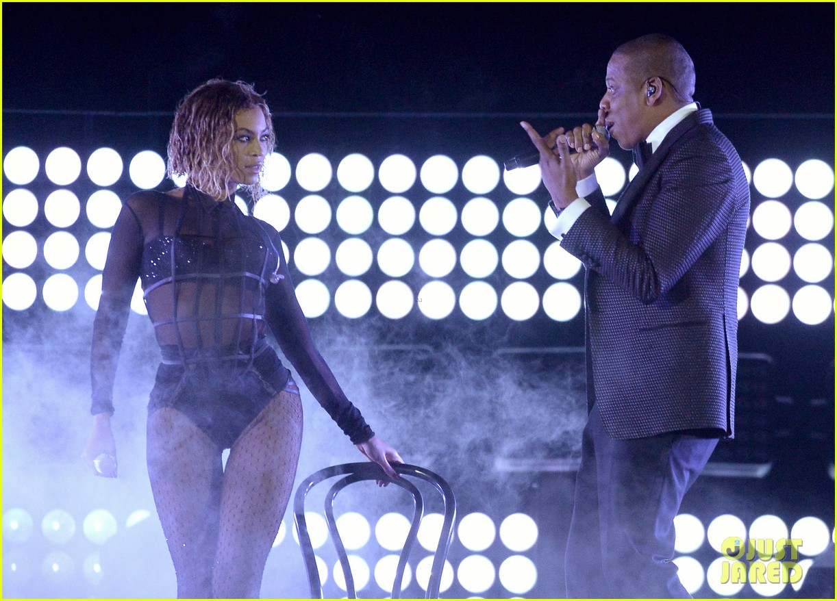 beyonce jay z drunk in love at grammys 2014 watch now 13