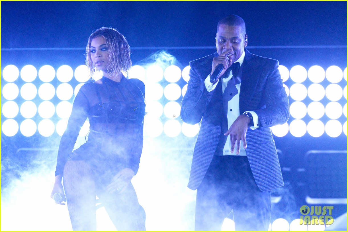 beyonce jay z drunk in love at grammys 2014 watch now 20