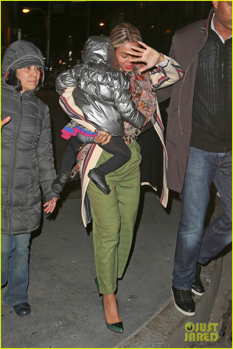 beyonce steps out in the big apple with blue ivy carter 05