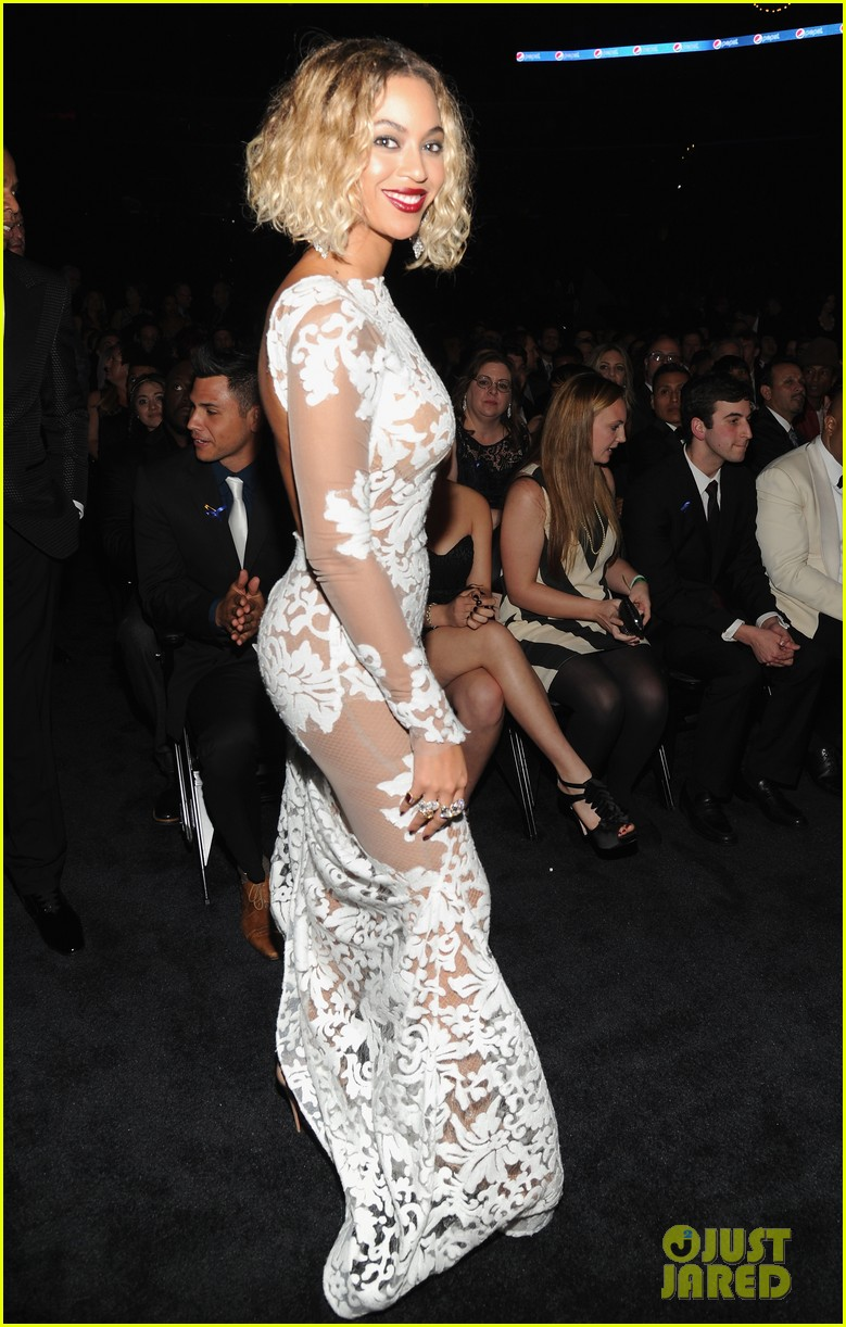 beyonce wears sexy sheer white dress at grammys 2014 03