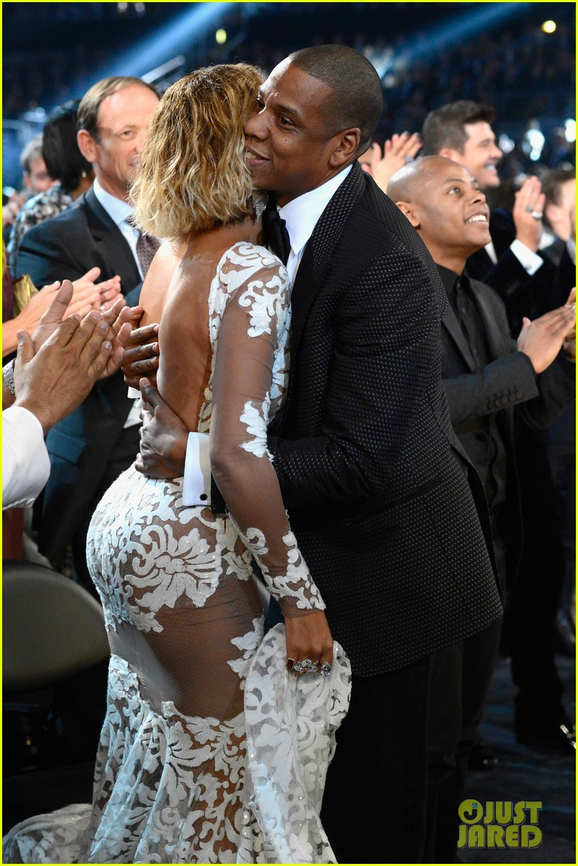 beyonce wears sexy sheer white dress at grammys 2014 06