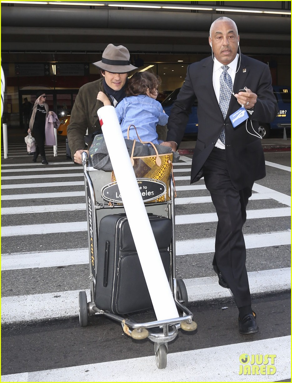 orlando bloom brings flynn to los angeles after his 3rd bday 06