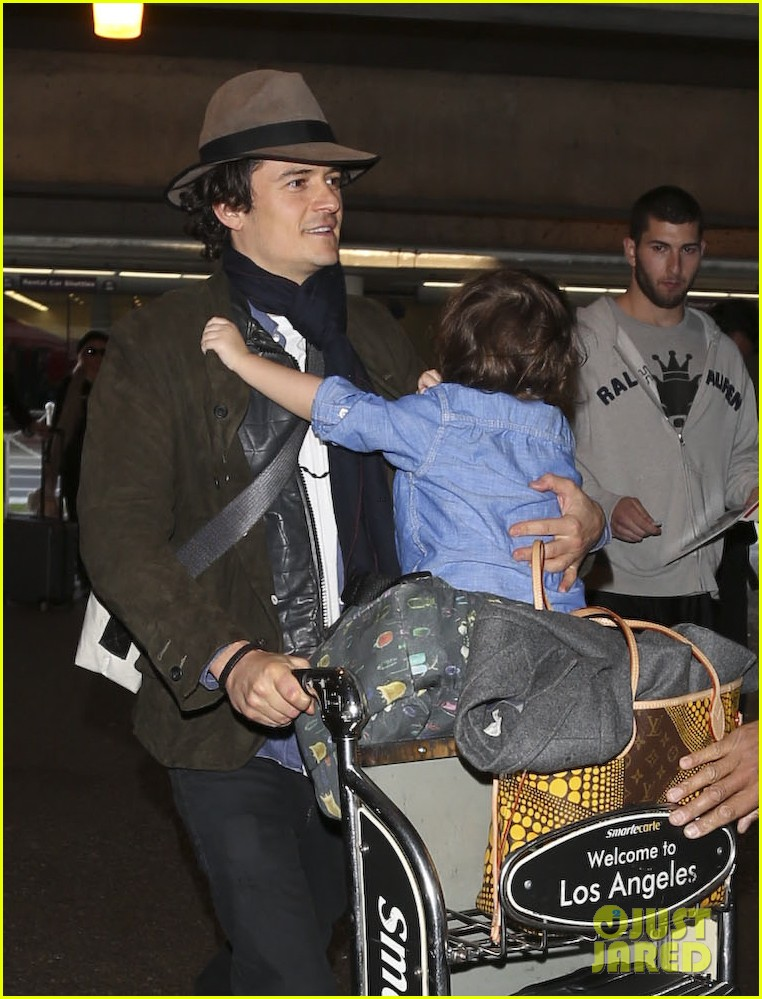 orlando bloom brings flynn to los angeles after his 3rd bday 13