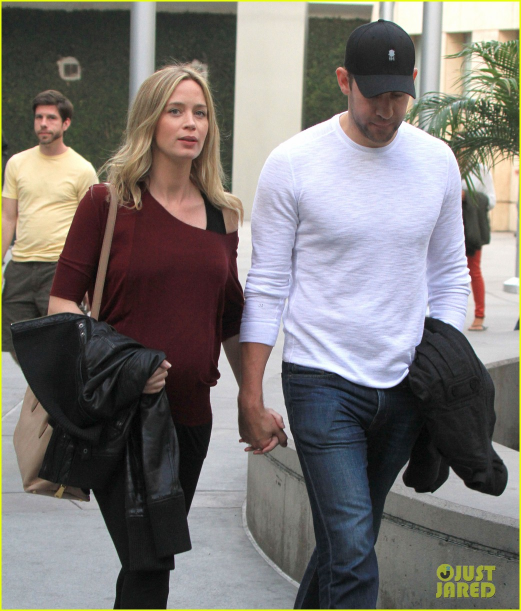 emily blunt john krasinski catch up on their movies 143022711