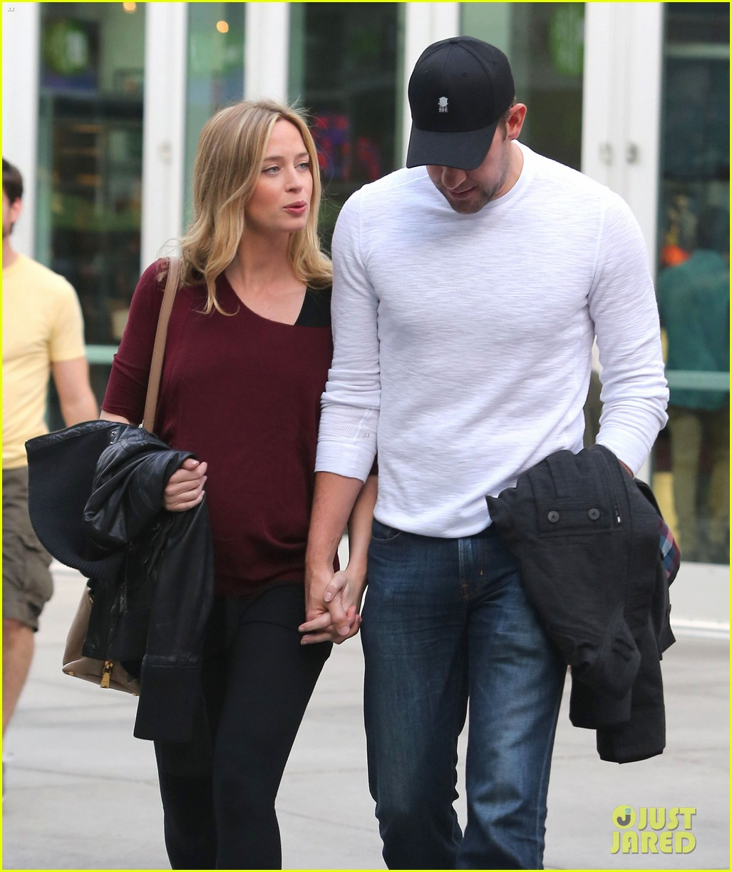 emily blunt john krasinski catch up on their movies 18