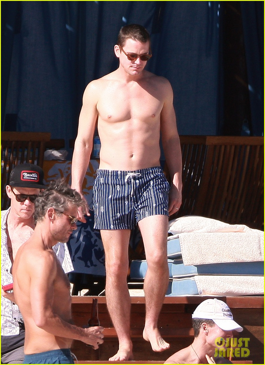 matt bomer shirtless sexy cabo vacation with simon halls 02