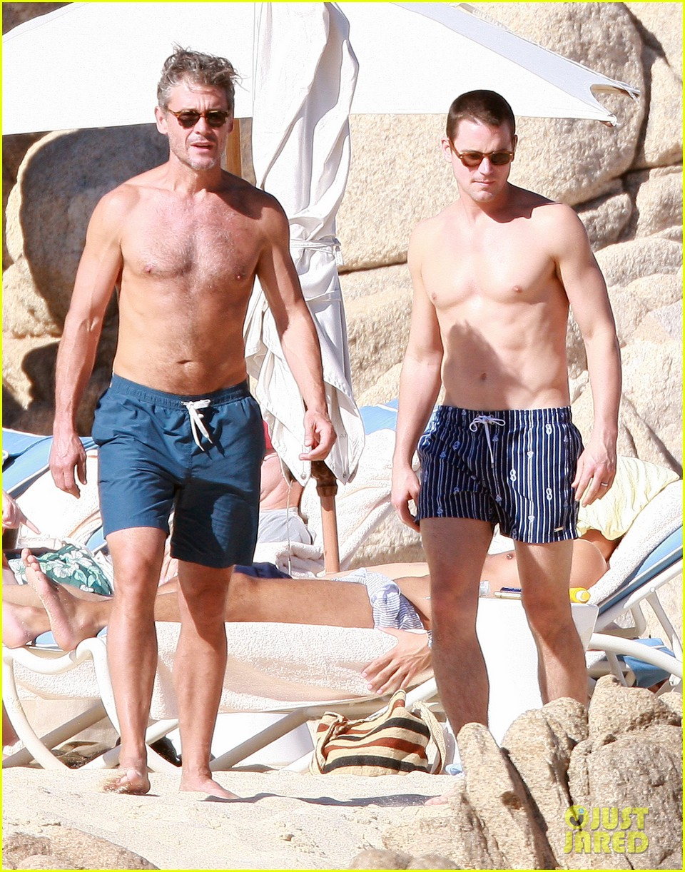 matt bomer shirtless sexy cabo vacation with simon halls 03