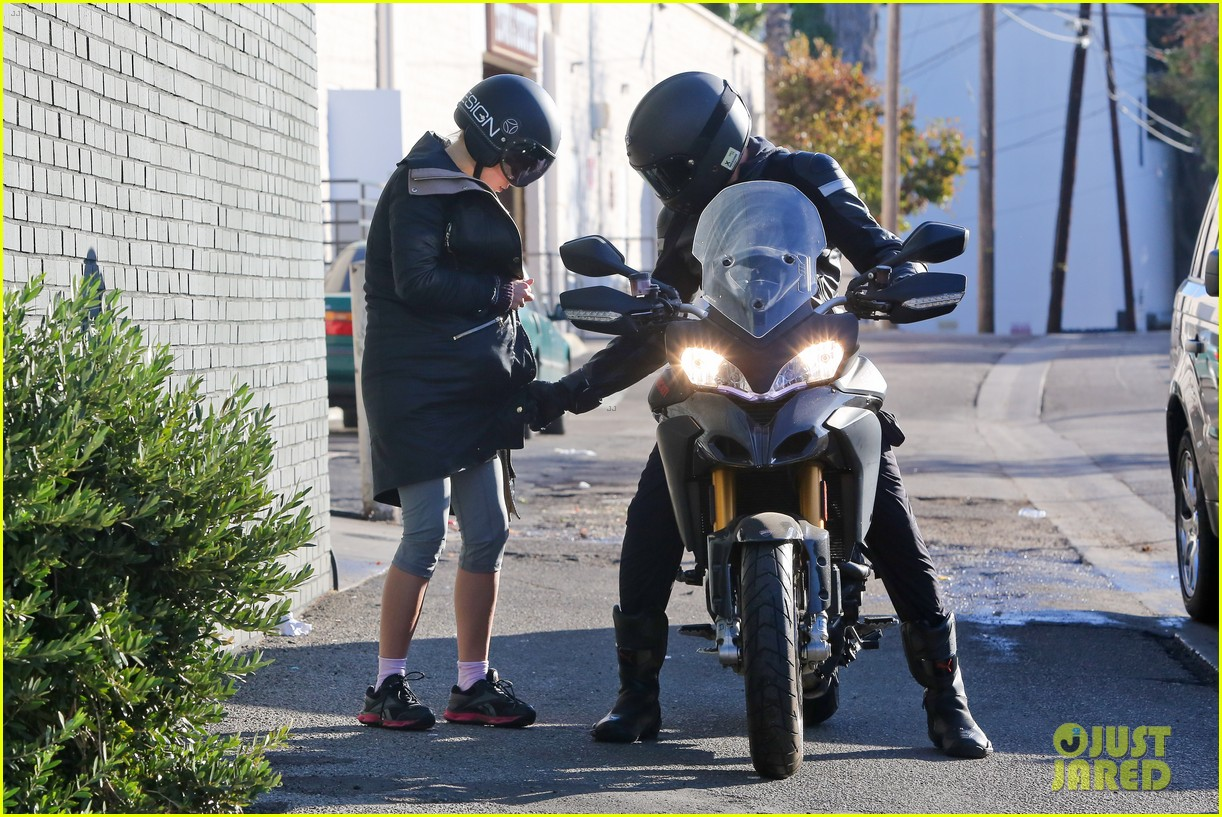 bradley cooper birthday motorcycle ride suki waterhouse 063023166