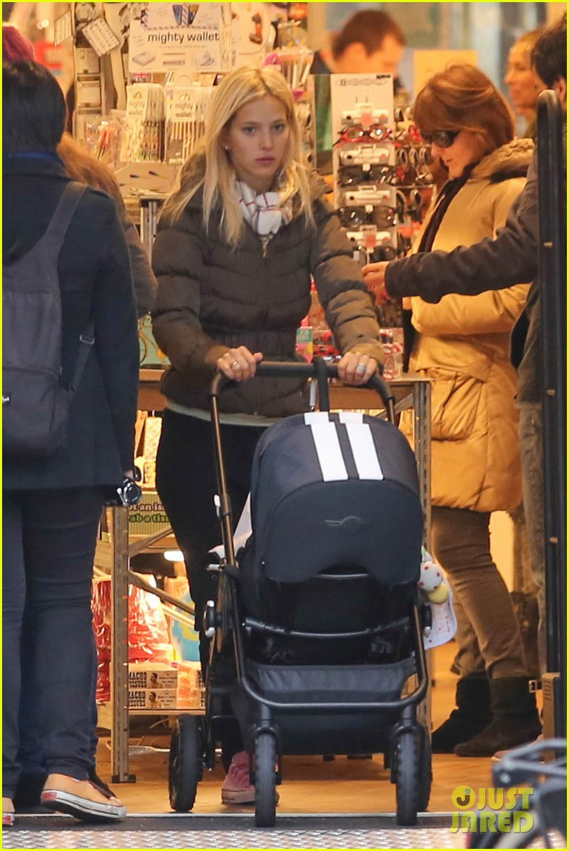michael buble luisana lopilato amsterdam vacation with baby noah 063036915