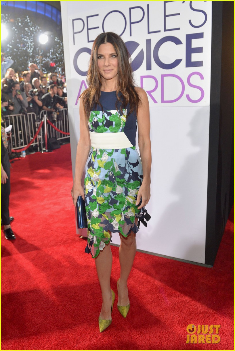 sandra bullock peoples choice awards 2014 red carpet 08