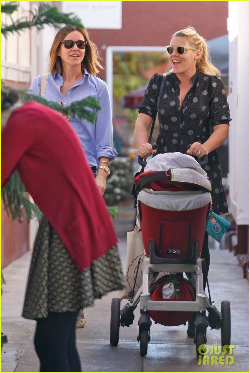 busy philipps hangs with cougar town co star christa miller 10