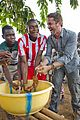 gerard butler visits liberia with marys meals all the photos 49