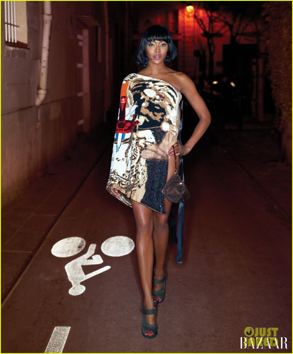 naomi campbell karolina kurkova pose for harpers bazaars carine roitfields fashion portfolio 02