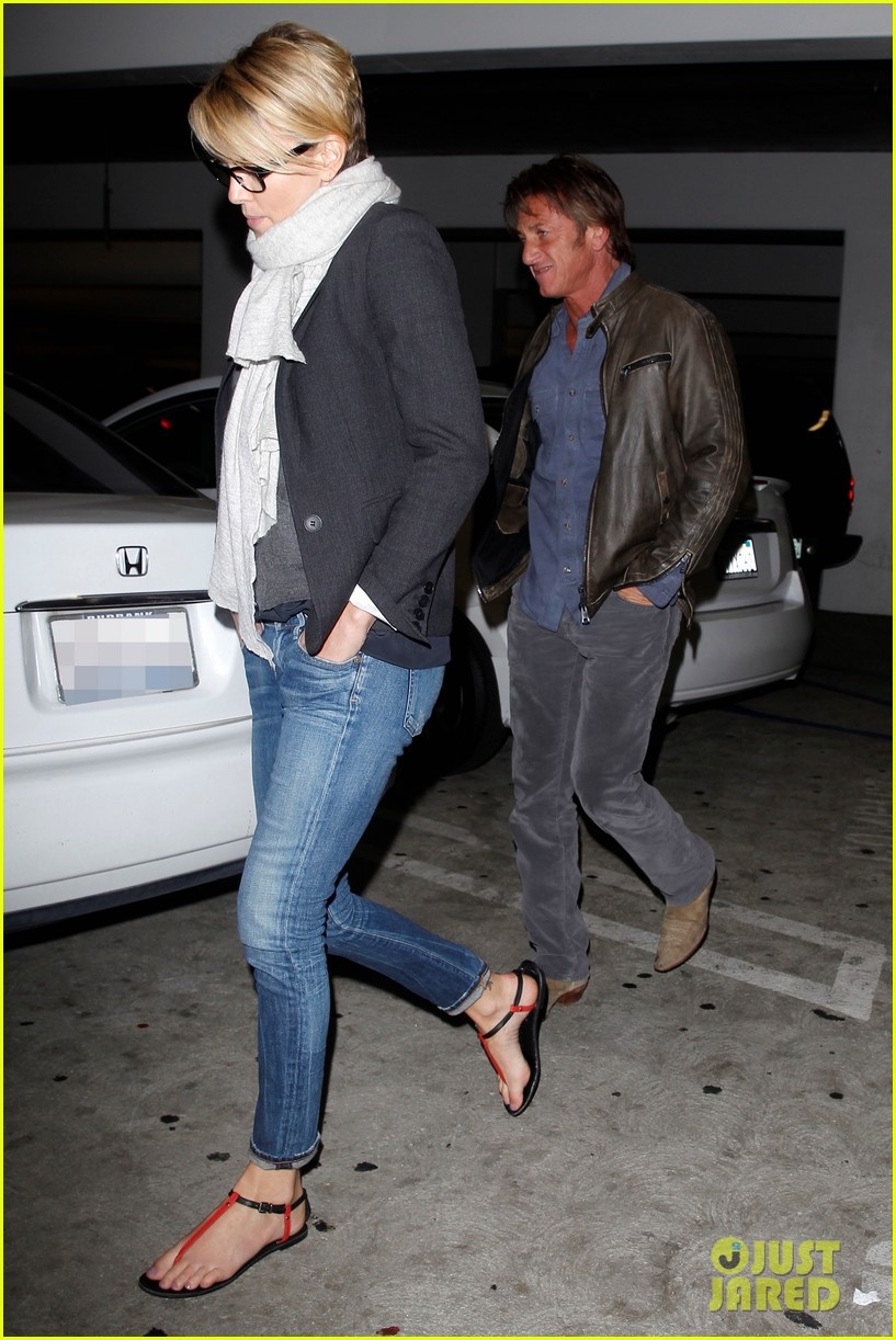 charlize theron sean penn movie date night 15