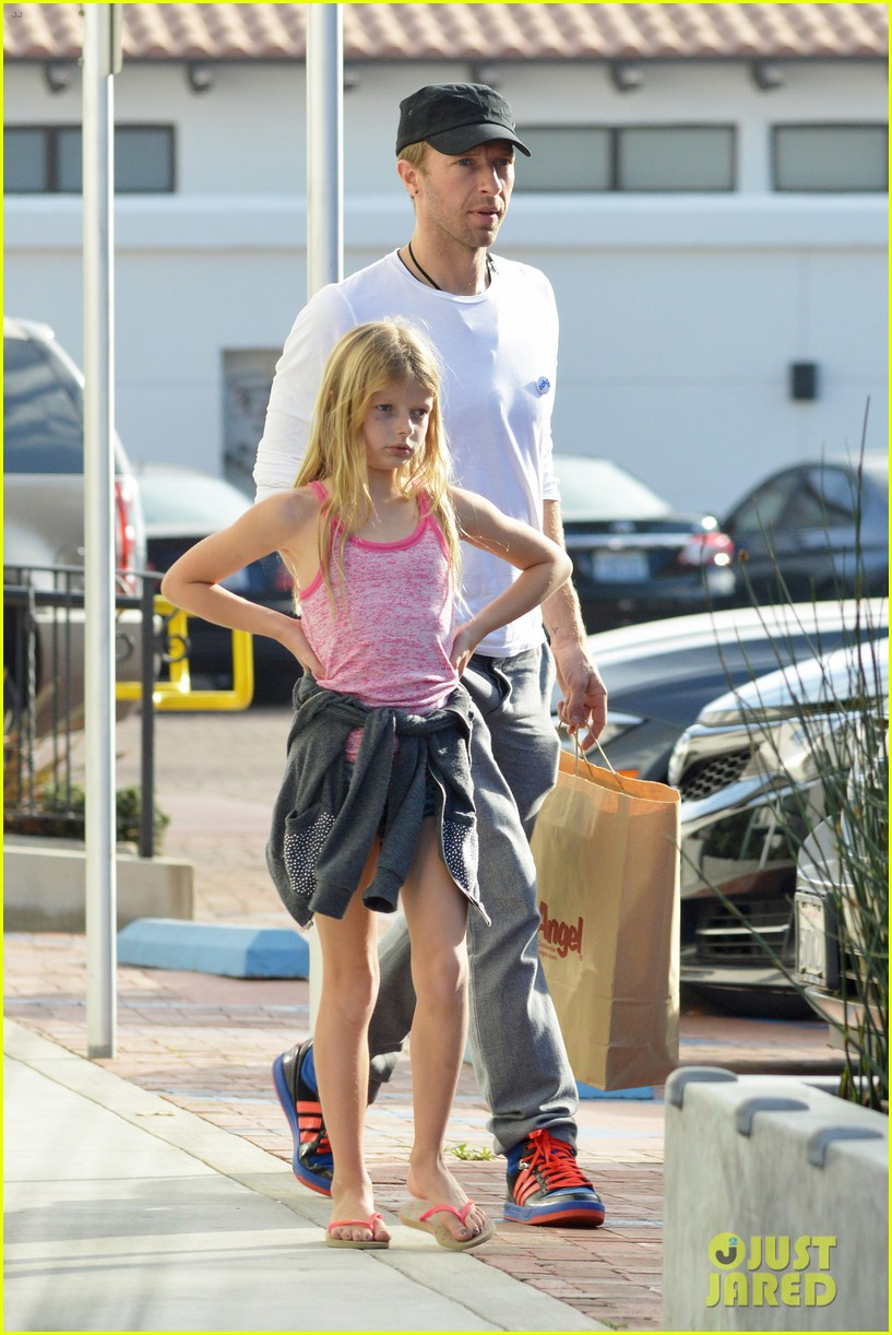 chris martin father daughter day with apple 15