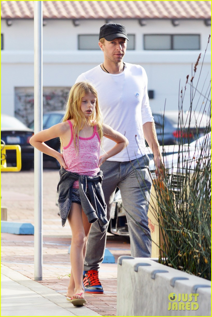 chris martin father daughter day with apple 18