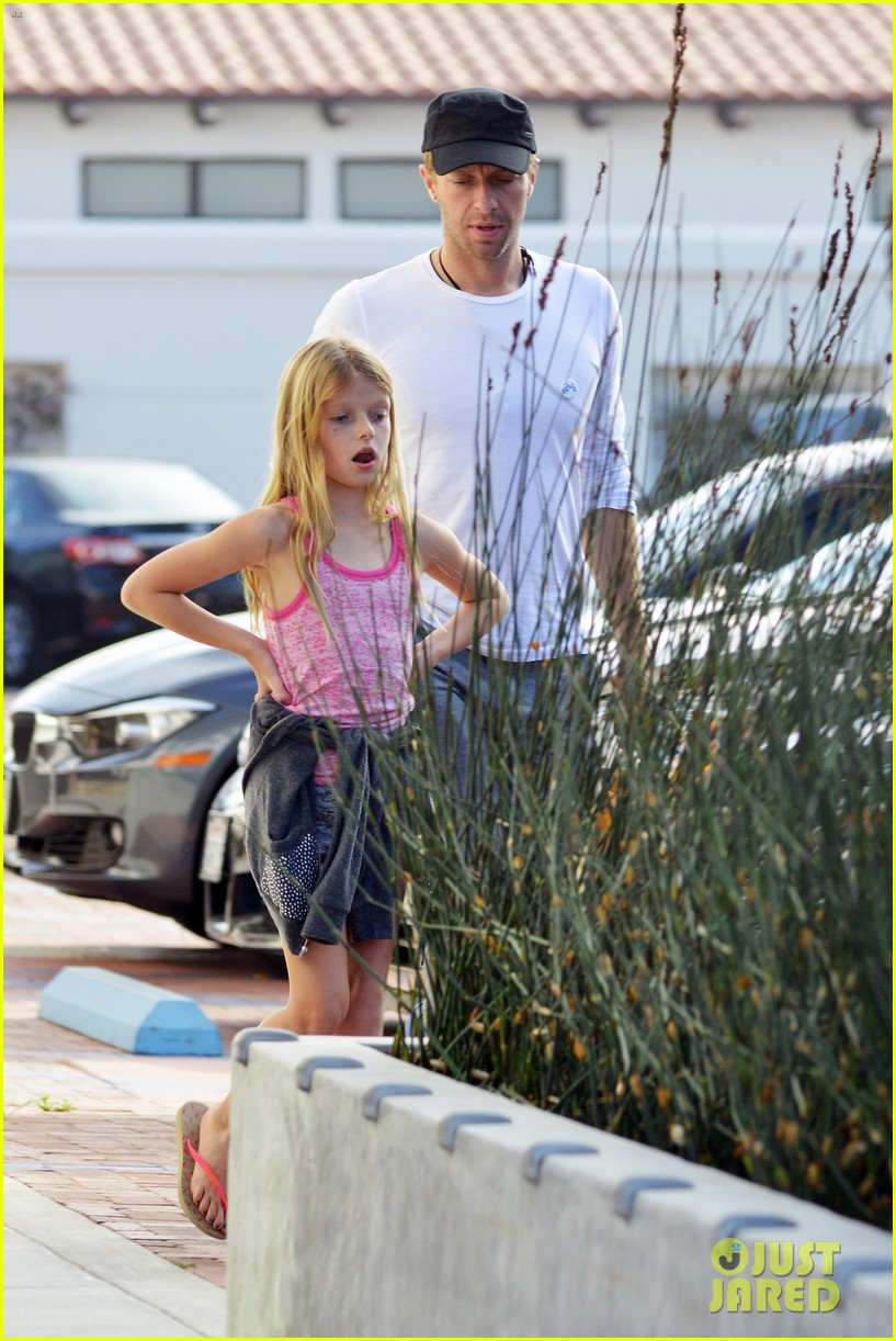 chris martin father daughter day with apple 21