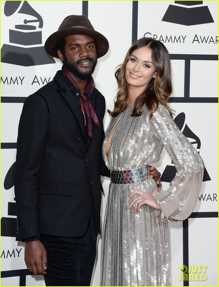 gary clark jr grammys 2014 with girlfriend nicole trunfio 02