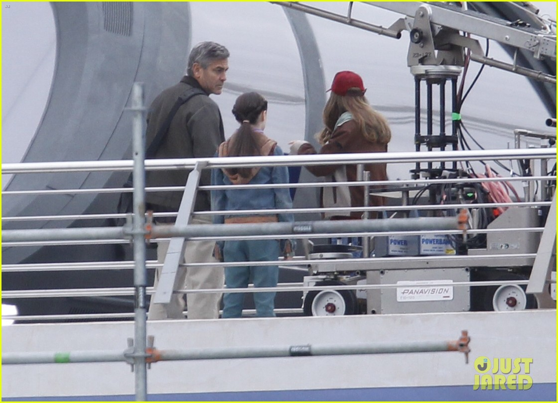 george clooney begins filming tomorrowland in spain 13