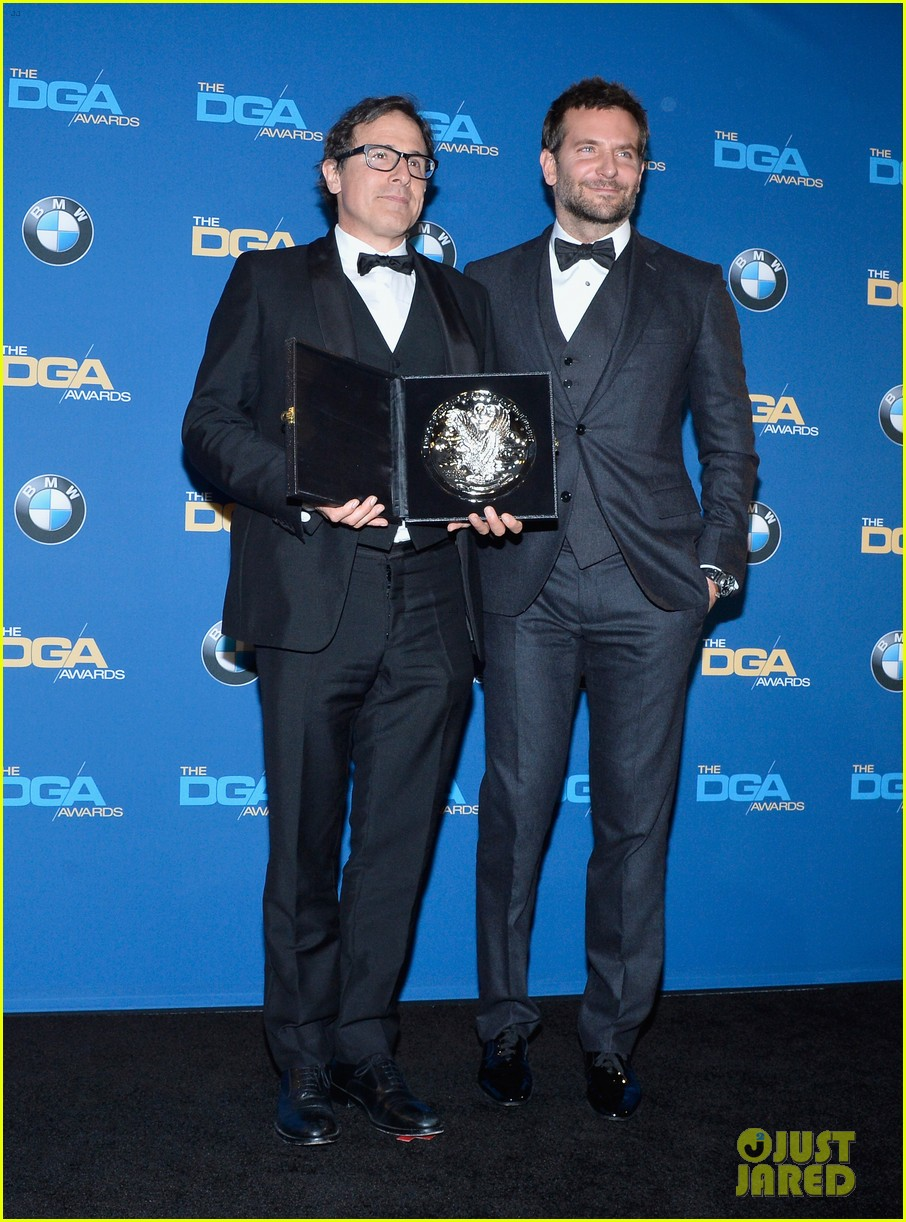 bradley cooper honors david o russell at dga awards 2014 013040360