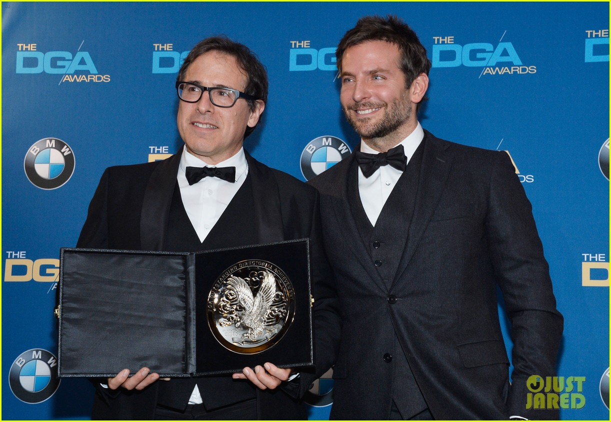 bradley cooper honors david o russell at dga awards 2014 04