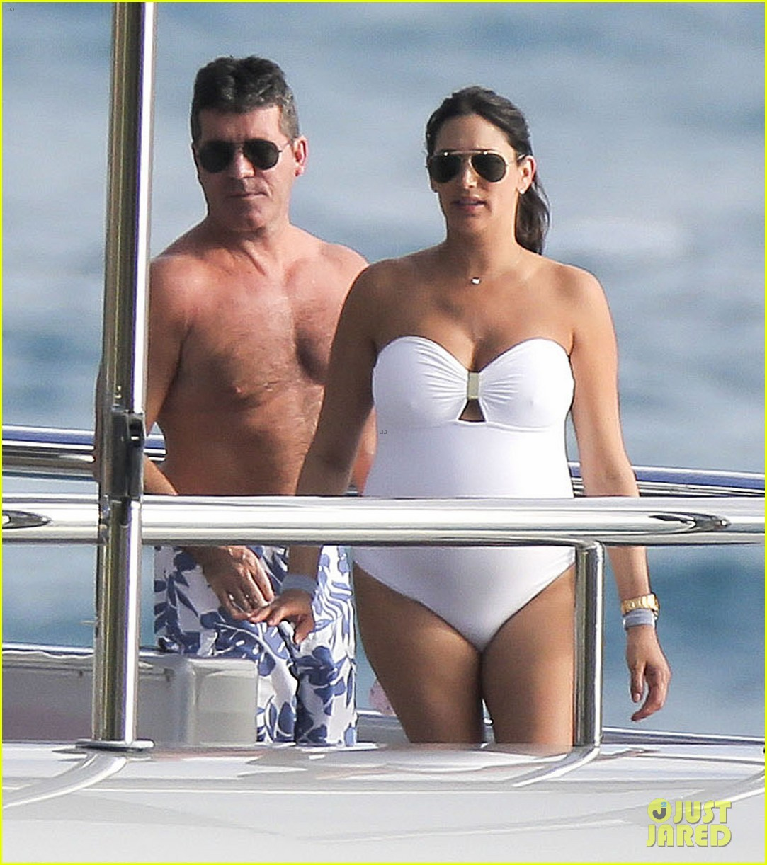 simon cowell very pregnant girlfriend relax on a yacht 02