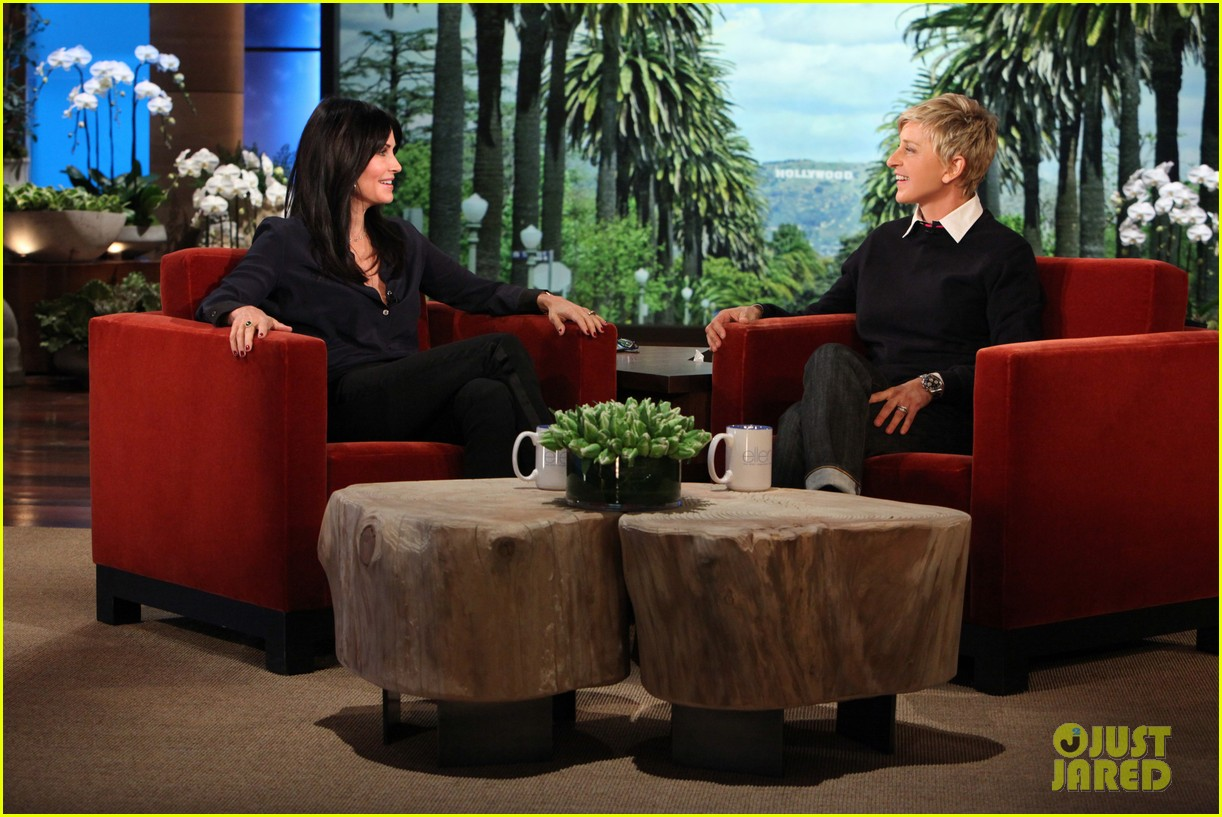 courteney cox cougar town returns tonight 053024468