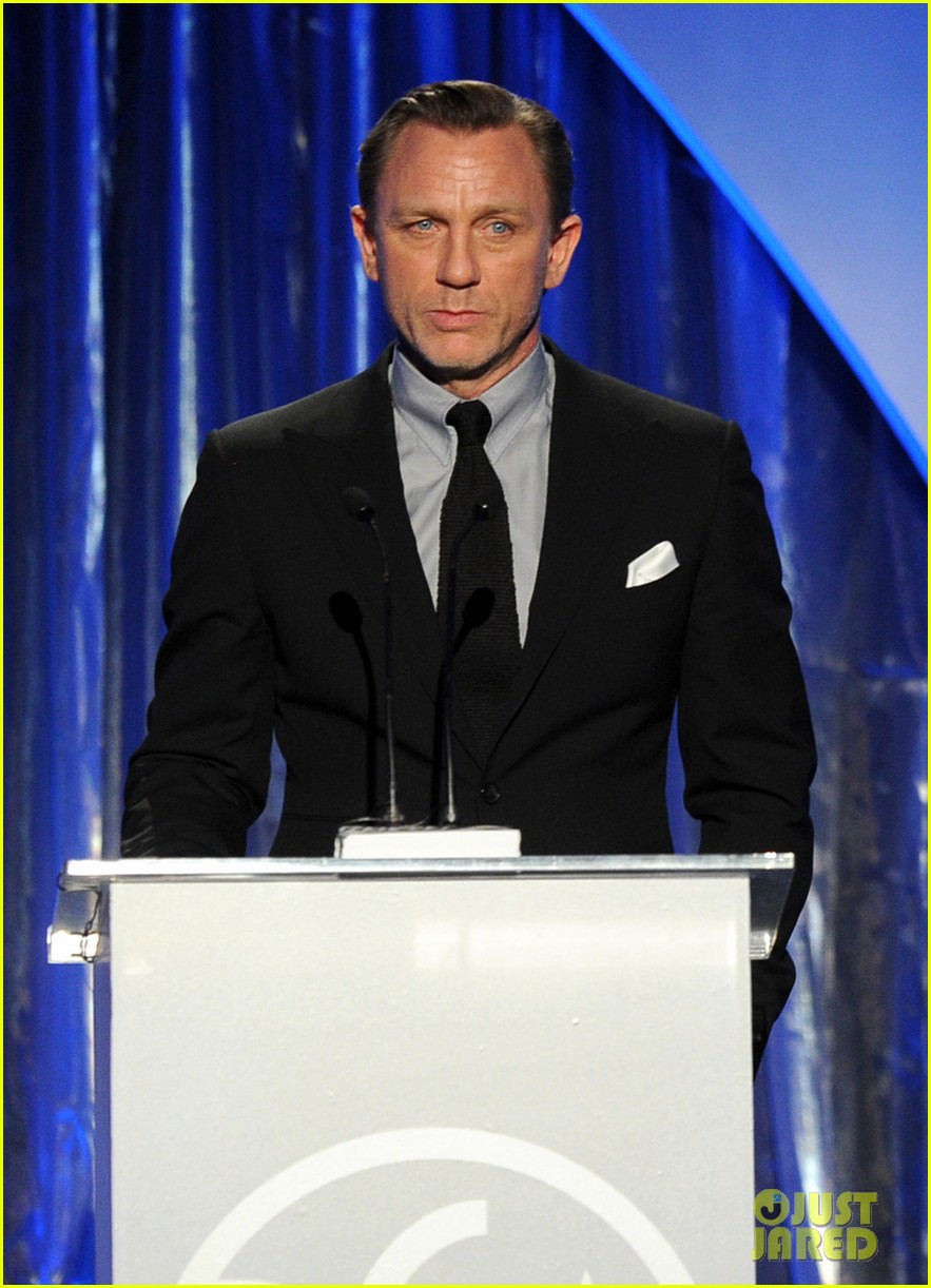daniel craig robert downey jr producers guild awards 2014 083036227