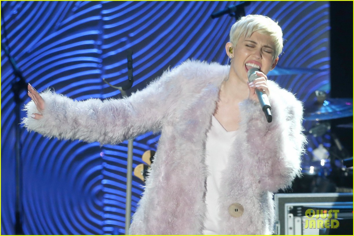 miley cyrus performs at clive davis grammys gala video 14