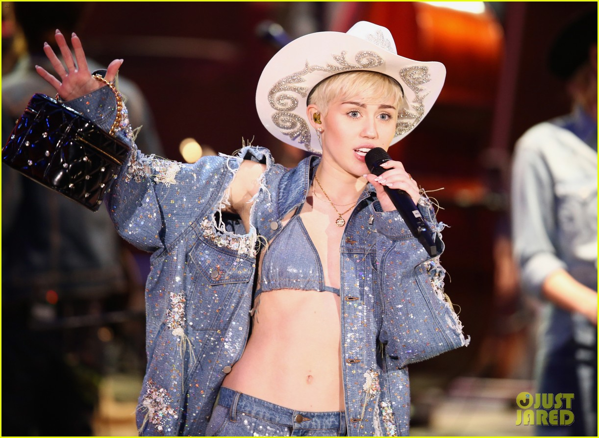 watch every miley cyrus mtv unplugged performance here 14