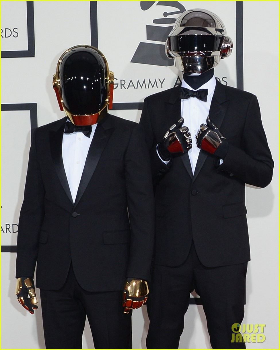 daft punk grammys 2014 red carpet 01