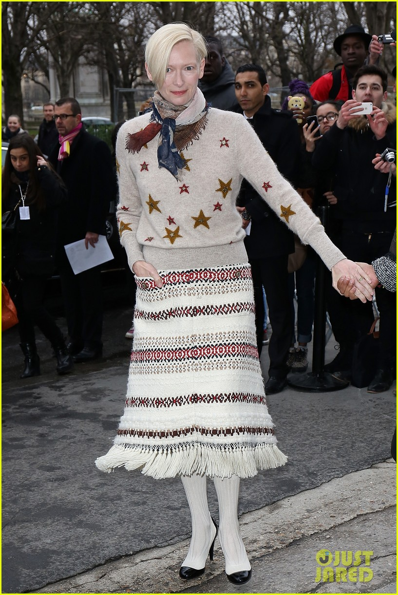 cara delevingne tilda swinton chanel paris fashion show 153036965