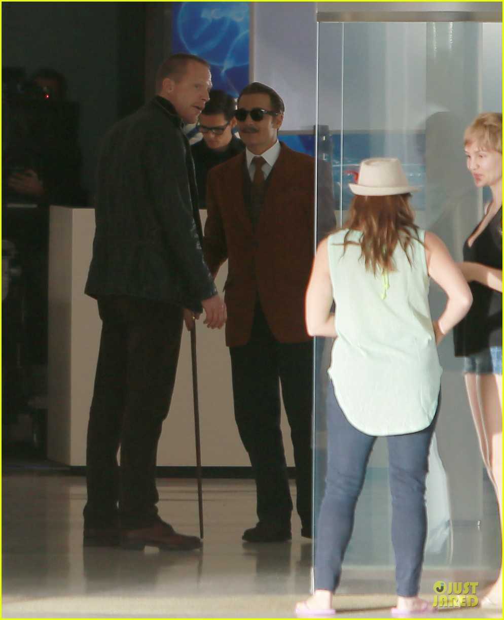 johnny depp mortdecai set with bikini clad babes 23